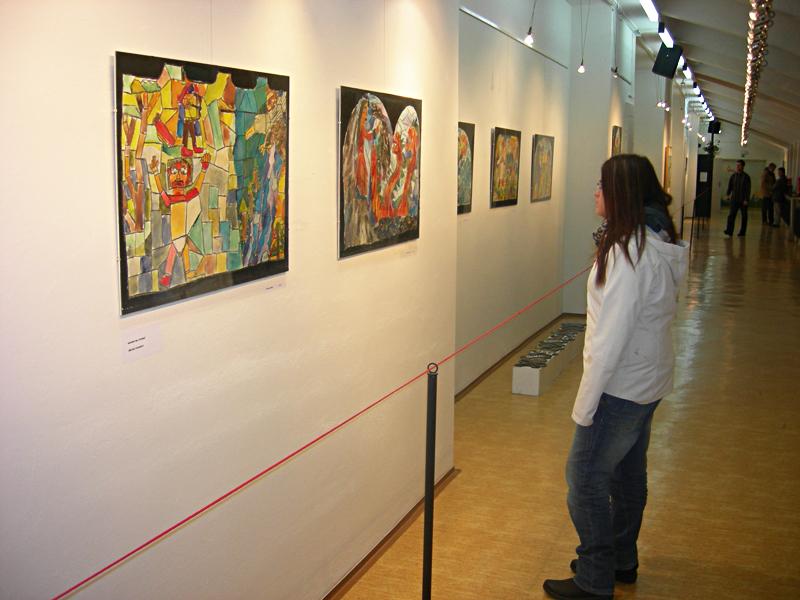 Obraz Ivany Kvisové na výstavě v Galerii Hády